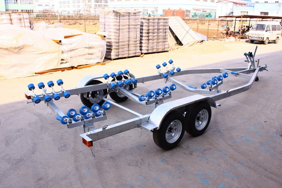 China Hot Dip Galvanized Double SHAFT 8.65m Boat Trailers FRPYS600DR distributor